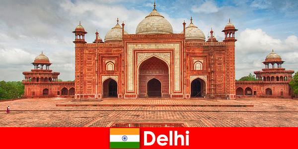 I viaggiatori possono trovare le migliori attrazioni in India a Delhi