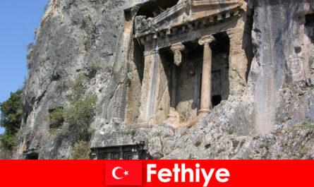 Fethiye un'antica città sul mare con molti monumenti