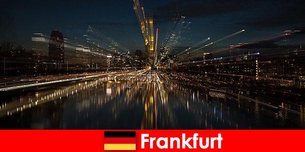 Hub di trasporto europeo di Francoforte per gli stranieri in Germania