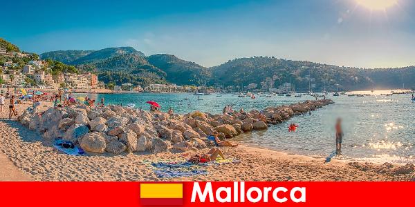 Maiorca con il famoso miglio delle feste e bellissime spiagge