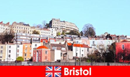 Bristol la città con la cultura giovanile e un'atmosfera amichevole per gli estranei