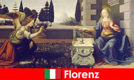 I turisti conoscono l'importanza culturale di Firenze per le arti visive