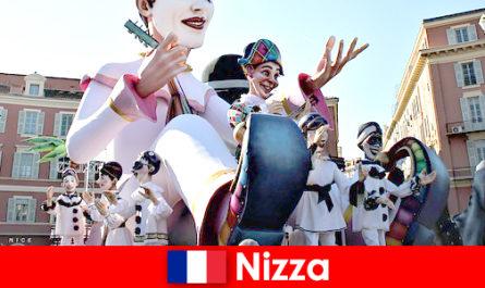 Attrazione turistica a Nizza con bambini e grandi attrazioni