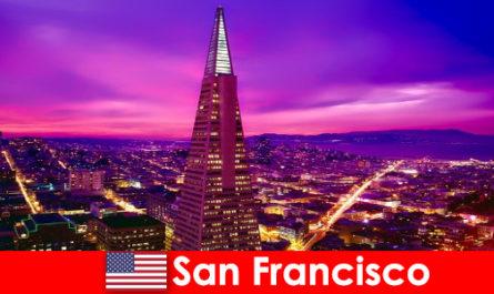 San Francisco è un vivace centro culturale ed economico per gli immigrati