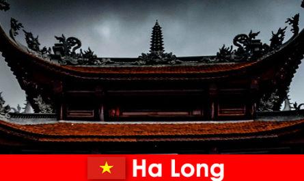 Ha long è conosciuta come una città culturale tra gli estranei