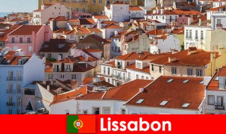Lisbona, la principale destinazione di viaggio della città costiera con sole sulla spiaggia e cibo delizioso