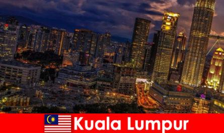 Kuala Lumpur merita sempre una visita per i viaggiatori nel sud-est asiatico