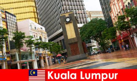 Kuala Lumpur è il centro culturale ed economico della più grande area metropolitana della Malesia