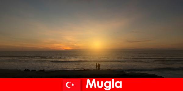 Viaggio estivo a Mugla in Turchia con baie pittoresche per gli amanti del cuore della città