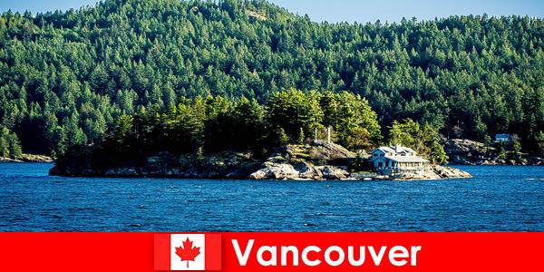 Per i turisti stranieri, relax e immersione nello splendido paesaggio naturale di Vancouver in Canada