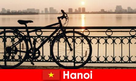 Hanoi in Vietnam Viaggio alla scoperta con gite in acqua per turisti sportivi