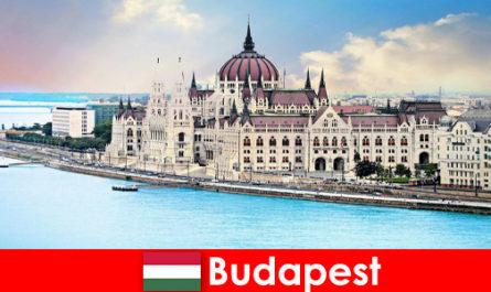 Budapest bellissima città con molte attrazioni per i turisti