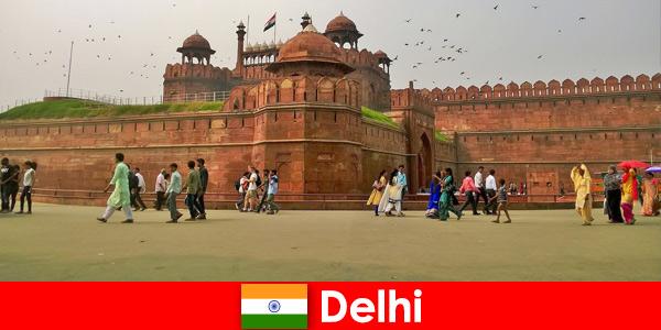 Vita vibrante a Delhi in India per i viaggiatori culturali di tutto il mondo