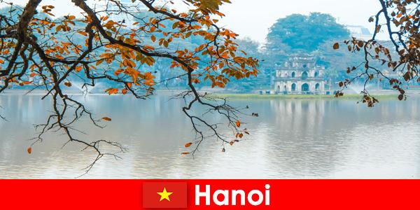 Hanoi Vietnam Jade Mountain Temple e Tempio della Letteratura deliziano i turisti