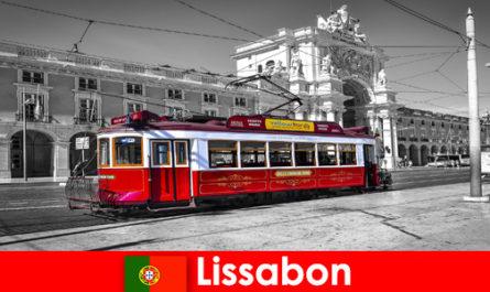 Lisbona in Portogallo i turisti la conoscono come la città bianca sull'Atlantico