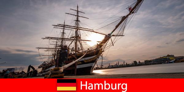 Germania Sbarco nel por-to di Amburgo al mercato del pesce per i buongustai di viaggio