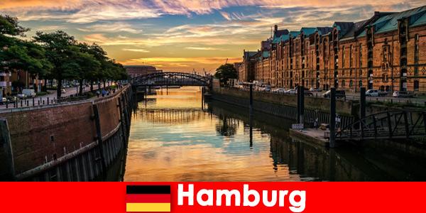 Bellezza architettonica e intrattenimento per brevi soggiorni ad Amburgo, Germania
