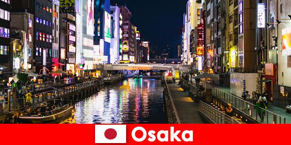 Distretti di intrattenimento e prelibatezze attendono i viaggiatori d'oltremare a Osaka in Giappone