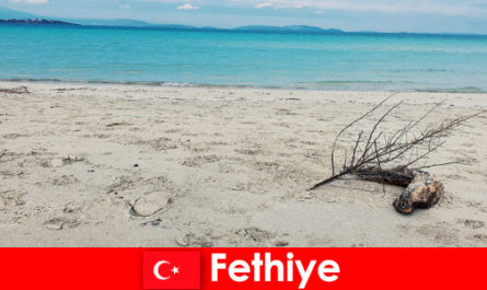 Viaggio di relax per turisti stressati sulla riviera turca Fethiye