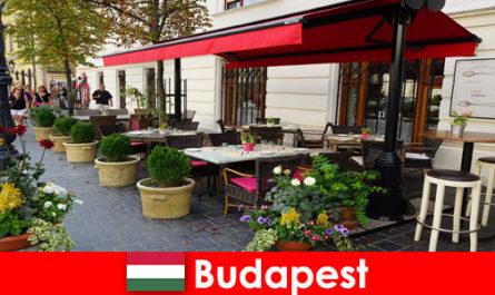 Destinazione di vacanza breve a Budapest Ungheria per i visitatori con un gusto per la gastronomia di alto livello