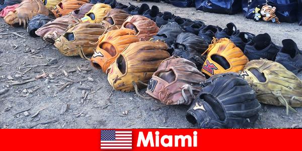 Vacanza da sogno per i viaggiatori nei parchi sportivi di Miami negli Stati Uniti