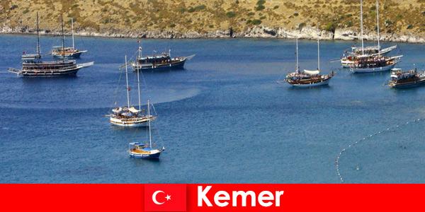 Viaggio avventuroso in barca a Kemer in Turchia per coppie e famiglie innamorate