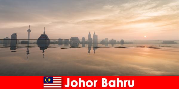 Le prenotazioni alberghiere per i vacanzieri a Johor Bahru in Malesia prenotano sempre nel centro della città