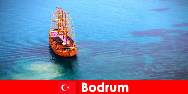 Viaggio del club per i membri con gli amici nella bellissima Bodrum in Turchia